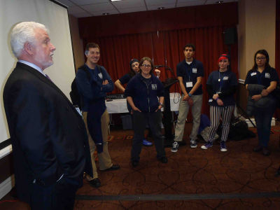 Jim-taking-to-Harbor-School-students-Seacaucus-NJ-March-2014-1
