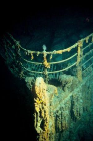 Titanic-underwater-1
