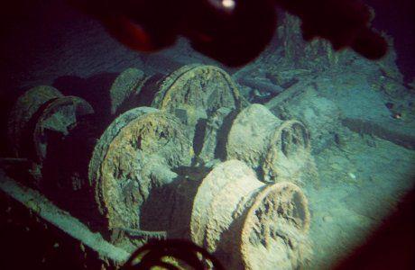 Titanic-underwater-3